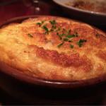 カフェ ラ・ボエム - トリュフのチーズオーブンオムレツ