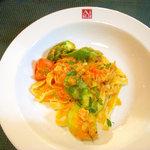 carbonara Aggi - 手打ち平麺のパスタ(取り分けてます)
