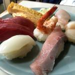 本種 - 握り寿司