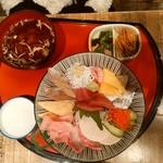 45650631 - 【2015.12.19(土)】地魚海鮮丼(酢飯)@1,230円
