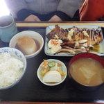 もとやくし食堂 - イカ姿焼き定950円
