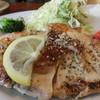 ポルトメゾン・ルームス - 料理写真:チキンの香草焼き 1300円