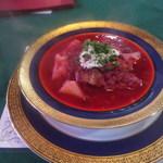 ロシア料理レストラン・バー ニーナ - ボルシチ \950