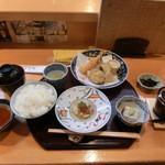 なか井 - 天ぷら定食茶碗蒸しも付いてます