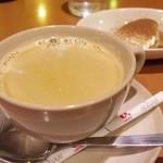 ワイン食堂 ホオバール - コーヒー