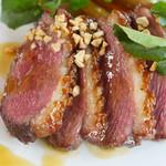 45763171 - マグレ鴨胸肉のキャラメリーズロースト 根菜のソテーと赤ワインヴィネガーのソース
