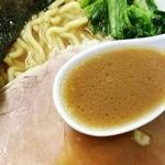 大黒家 - 豚骨醤油スープ