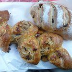 エルポール - 食べ収め2015(ごぼうエピ、ぶどうパン)