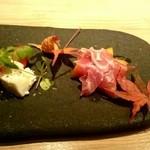 KOTOBUKI - フルーツトマトとモッツァレラ、柿とプロシュート