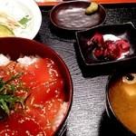 沖縄料理 舞天 - ランチのマグロ丼セツト