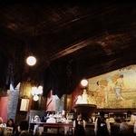 ビヤホールライオン - 「元祖デザイナーズレストラン」「豊穣と収穫」をテーマとした内装。壁画を見ながら飲むビールは美味い!