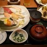 和食さと - 料理写真:冬のすし和膳 1390円+税 全景