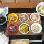 ひら川 - 料理写真:おばんざいプレートご膳
