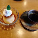 星さん家のハンバーグ - 本日のデザート 焼きプリン250円 コーヒー200円