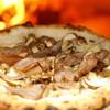 カナマロン - 料理写真:自家製ベーコン、燻製モッツァレラ、4種のキノコピッツァ