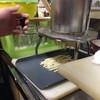 キャノン - 料理写真:にゅ〜と押し出して…