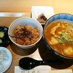 浅野屋 - カレー南蛮とかやく御飯ー本日の小鉢は味噌こんにゃくー
