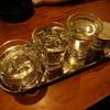 独酌 髭鯨 - ドリンク写真:飲む順番が決まっているそうで 酒のアテから遠い左から ※2015年12月