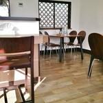 麺屋 翔 - 小上りが無くなりテーブル席になっています