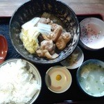 中村商店 - てびち煮付け定食