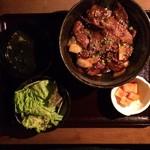 45936358 - 和牛切り落とし丼(肉1.5倍)