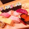 銀座寿司処 まる伊 - 料理写真:ランチ(1)「にぎり1人前」1,000円