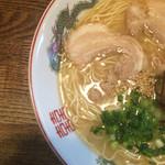 博多 - ラーメン  麺かたのアップ〜(*^◯^*)❤️