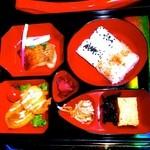 45994259 - 1000円のお弁当、、、、、味はノーコメント。