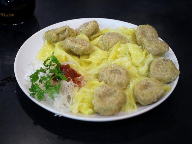 https://tabelog.ssl.k-img.com/restaurant/images/Rvw/45998/640x640_rect_45998093.jpg