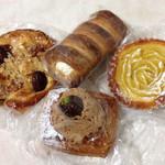 フクスケベーカリー - クロッカン、スイートポテトのパン、モンブランデニッシュ、生コロネ