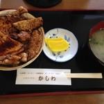 レストハウスかしわ - 炭焼き豚丼(小)780円