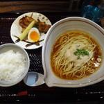 新宿御苑らーめん桜花 - 御膳らーめん(並)