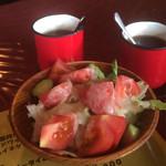 カウボーイ - トマトサラダ 500円