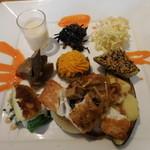 日水土 - 野菜料理の盛り合わせ;真鯛のポアレ