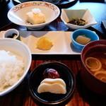 岡崎旅館 - 朝食膳