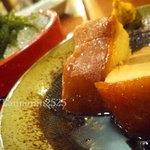 沖縄食材酒家 なかや - ラフティと海ぶどう