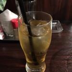 とり・チキン・FUZI - ジャスミン茶。終始これ2杯で過ごしました