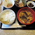 納豆食堂 - 納豆定食 750円