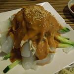 盛園絲瓜小籠湯包 - 蒸し鶏と春雨の胡麻ソース和え