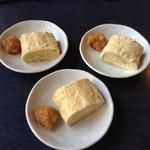 佳蕎庵 - 蕎麦屋の玉子焼き630円(3つに切り分けてもらってます)