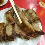 珉珉 - 鍋貼餃子(焼き餃子) は皮が極薄のため注意して切り離しましょう!