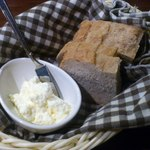 フォンティーナ チーズ ダイニング - 料理写真:自家製パン