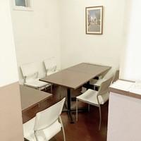 結婚式の2次会・歓送迎会など2階席の貸切も対応致します。