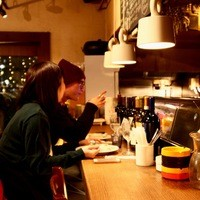 ◆ランチもカフェも人気◆[電源]有り!充電可◎