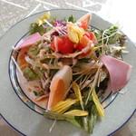 カウッパトリ - サラダ