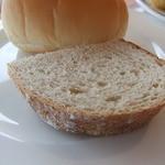 トラットリアヴィアーレ - 進々堂のパン