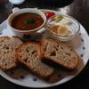 ギャラリィ&カフェ 山猫軒 - 料理写真:カンパーニュ(田舎パン)カレー