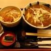 そじ坊 - 料理写真:カレー南蛮そばとカツ丼の定食(1075円+税)