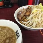 がっつり食堂ドカメン - 濃厚つけ麺大盛ニンニク野菜トッピング ¥850
