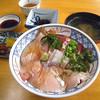 花房商店 - 料理写真:日本海丼¥1000(2014/12現在)